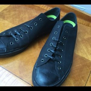 Converse men's 14 black shoes